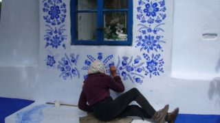 FARE WALL PAINTING A NOVANT'ANNI