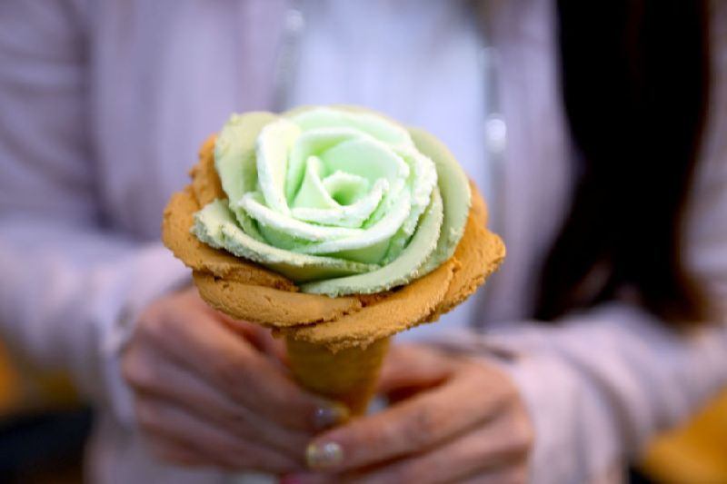 10431757_i-creamy-artisan-gelato--flower-gelato_t111e89f6