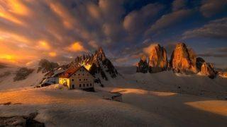 """Le Dolomiti, le chiamano i """"Monti Pallidi"""" ma tanto pallidi non sono…"""