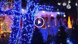 La casa di Babbo Natale a Melegnano è uno spettacolo di 450mila luci colorate