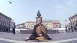 Meditazione Zen in Piazza Duomo a Milano