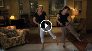 LO STACCHETTO DI BALLO DI KATE HUDSON E GINNIFER GOODWIN E' SIMPATICISSIMO