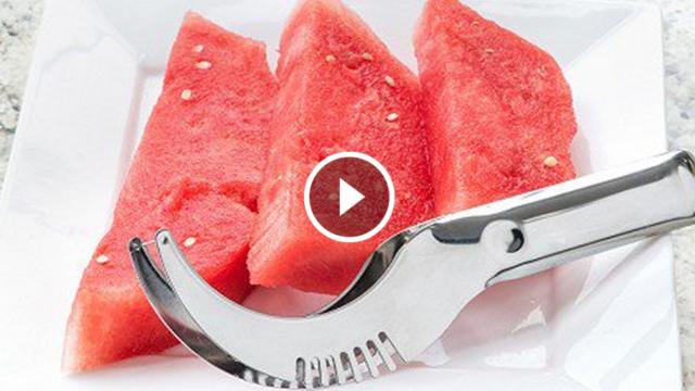Taglia e servi l'anguria in modo rapido e senza sporcare, guarda come funziona…