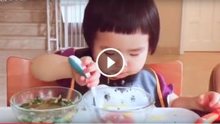 Questa bimba cinese che mangia sta facendo discutere il mondo intero