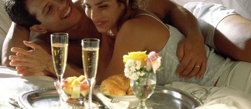 coppia-colazione-romantica