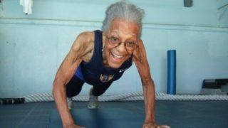 Una nonna da record:ha101 anni e percorre cento metri in poco più di un minuto
