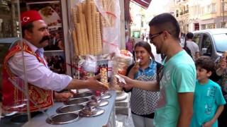 Il gelataio più simpatico del mondo è turco!