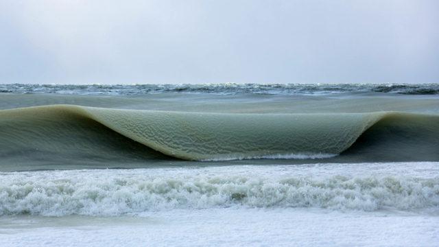 Lo scatto perfetto – 41 foto incredibili di onde meravigliose