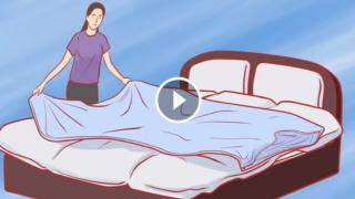 Ecco un trucco per cambiare il copripiumone senza stress