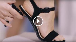 Cinque tacchi, una scarpa: et voilà da bassa diventa alta con un click!