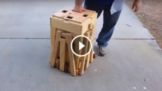 Un cubo che occupa poco spazio si trasforma in qualcosa di inimmaginabile