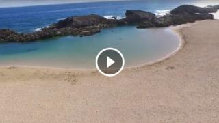 Playa Puerto Nuevo in Porto Rico è la baia più suggestiva del mondo