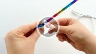 Arrotola il cavo caricabatterie attorno a una matita, il risultato è utilissimo