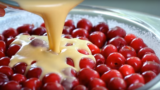 Impariamo a fare il buonissimo e facile dolce francese: il CLAFOUTIS di CILIEGE