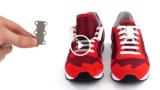 Questo piccolo oggetto magnetico ti farà risparmiare un sacco di tempo per mettere e togliere le scarpe!